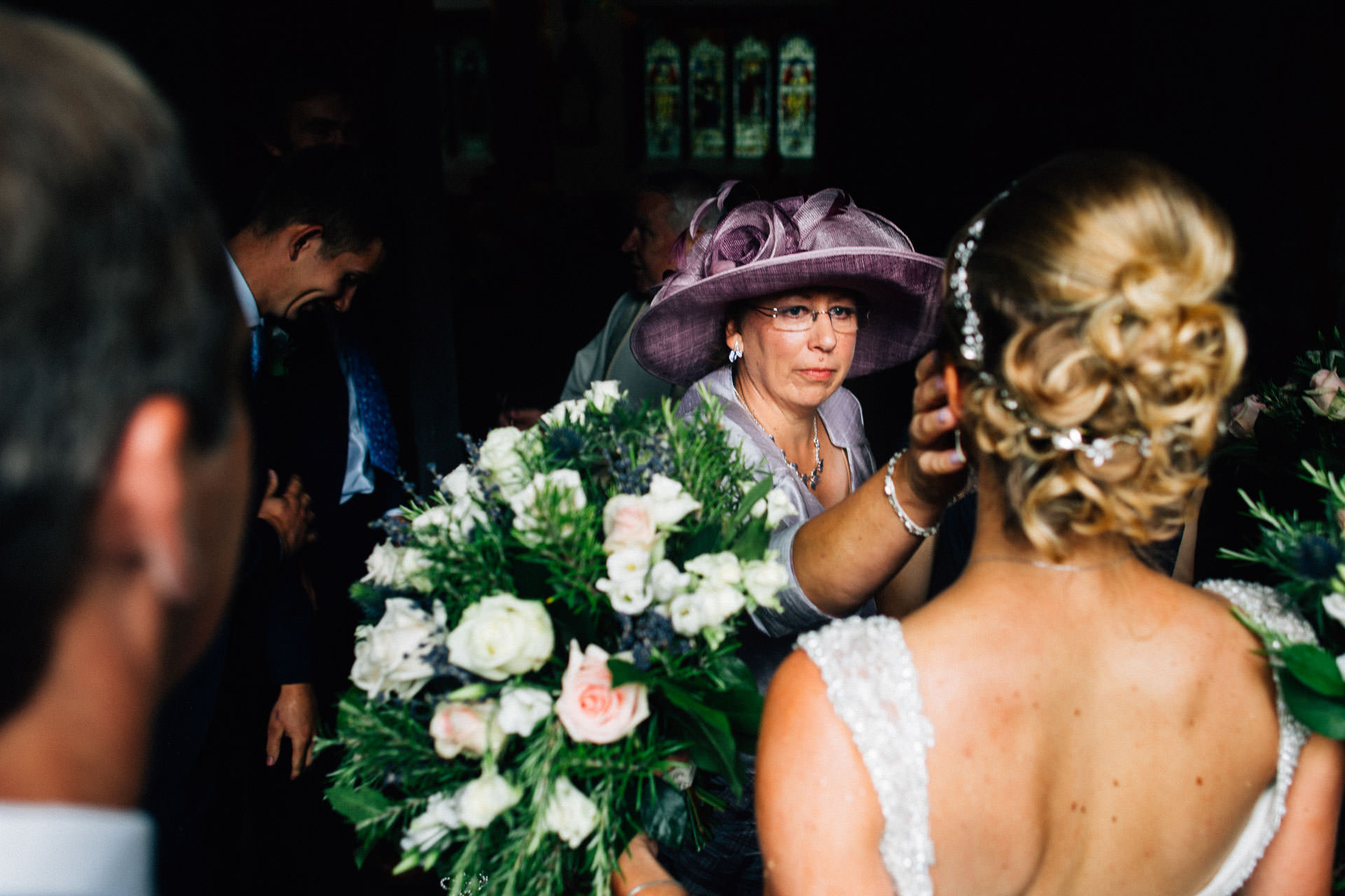 Best wedding photography 2016 - mum with hat wiping tears
