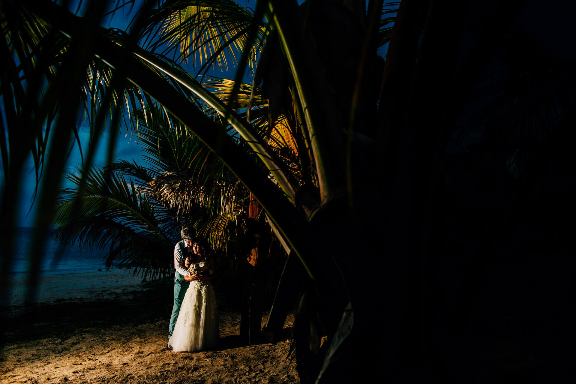 Best wedding photography 2016 - antigua destination wedding photography with palm trees