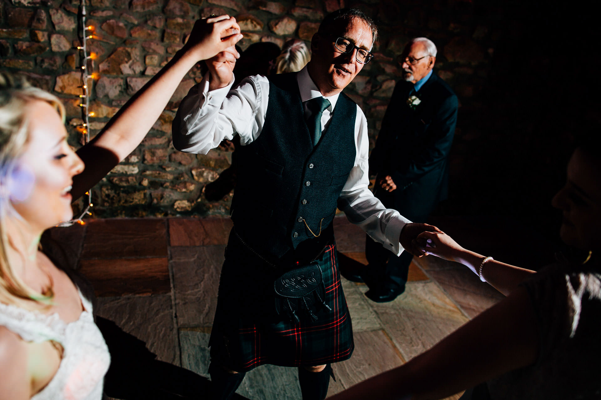 Best wedding photography 2016 - guests dancing in speeches