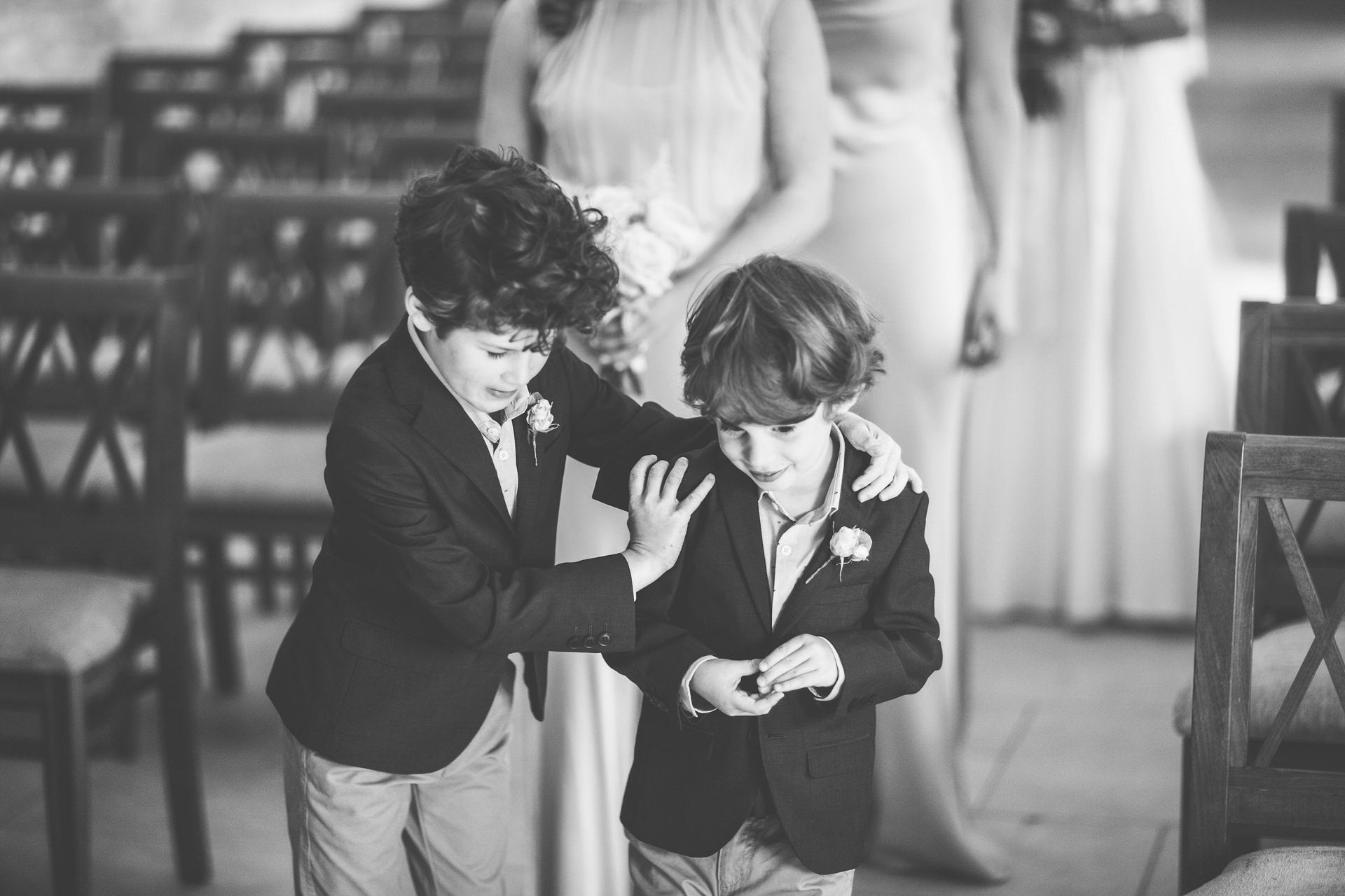 Best wedding photography 2016 - kids playing before the ceremony